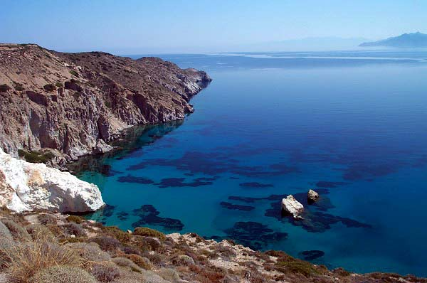 FIROPOTAMOS BEACH - Firopotamos is a small port with sirmata for the boats of fishermen, and a splendid beach.