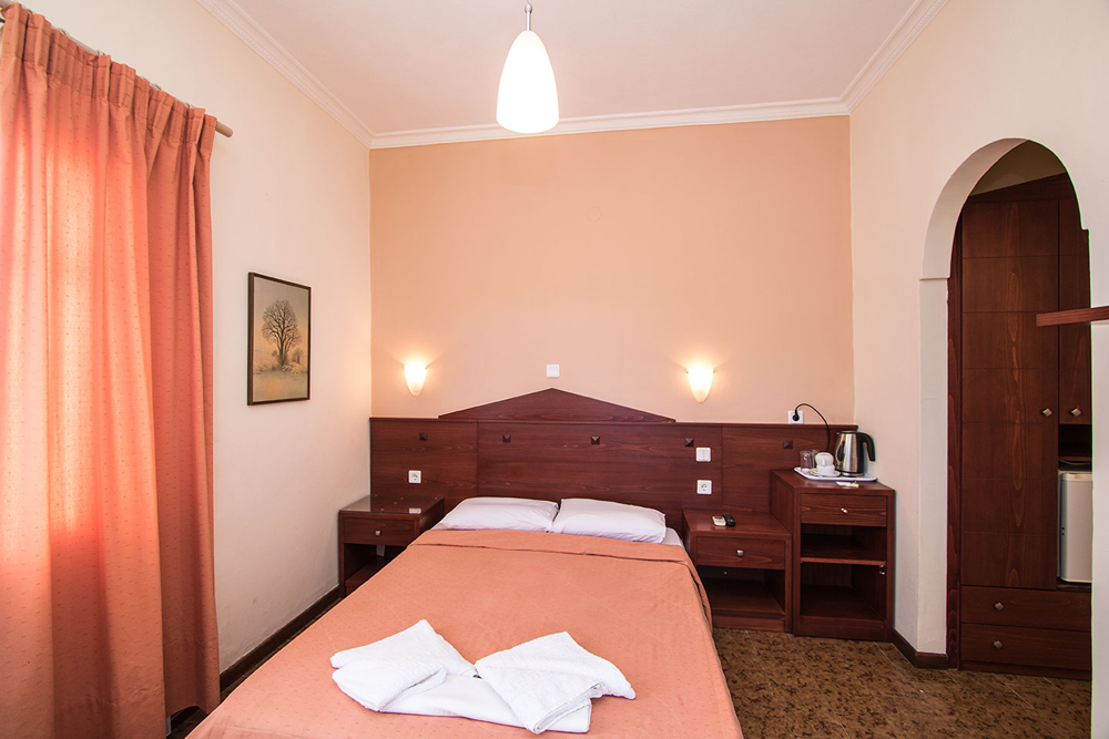 Another photo of room, of Semiramis hotel located in adamas Milos island, Greece. CLICK TO ENLARGE