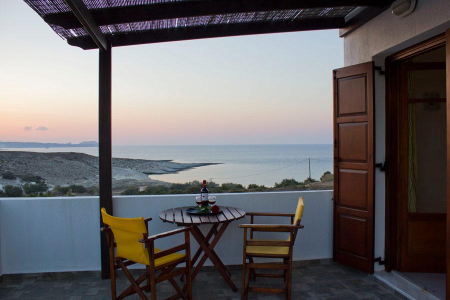 GALINI HOTEL IN  Agia Irini Milos