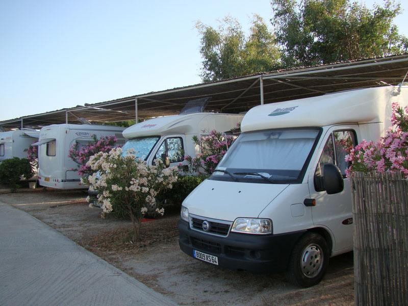 MILOS CAMPING  CAMPING IN  Achivadolimni Milos