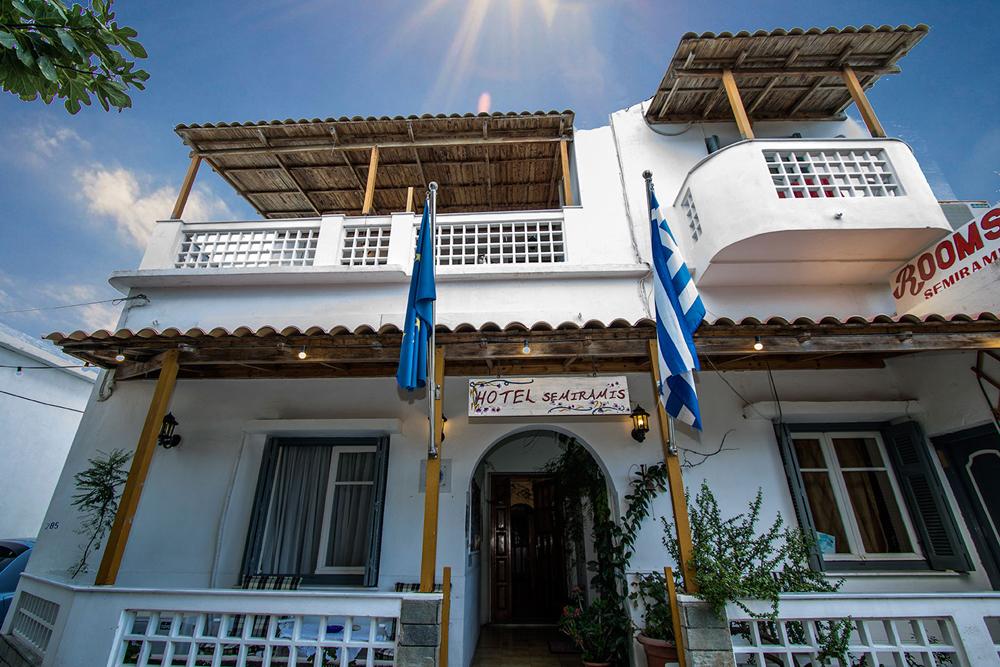 Image of Semiramis hotel, located in Adamantas village CLICK TO ENLARGE