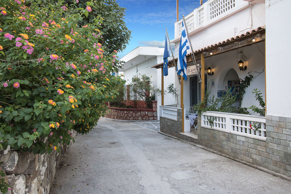 Entrance of Hotel Semiramis, Milos CLICK TO ENLARGE