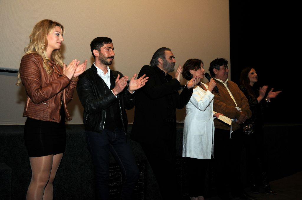 Significant boost to international prominence of Milos is expected from the film  Honor your mother and your Mother ..  (Tu honoreras ta mere et ta mere) that  shot  entirely last summer on our island and already displayed in Greece and abroad. This French production which, from Greek si...